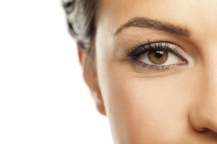 Jak zrobić naturalny makijaż w stylu le no make-up