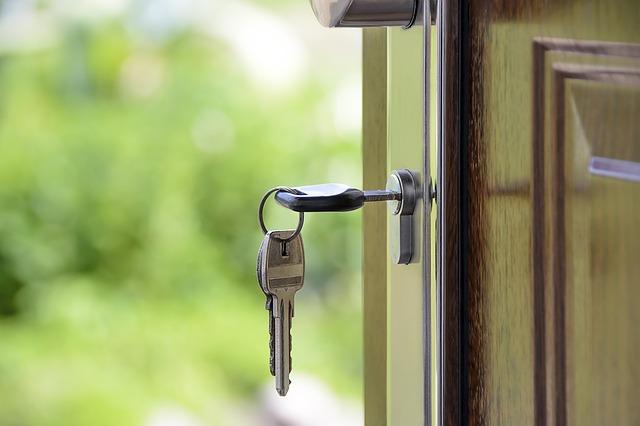 Zawody związane z nieruchomościami. Pośrednik i zarządca