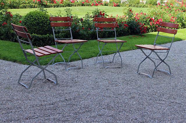 Jakie krzesła składane wybrać?