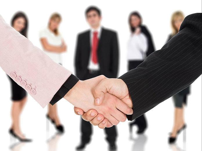 Co obejmuje obsługa prawna firm?