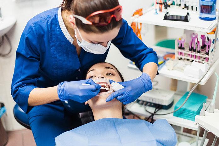 Na czym polega powtórne leczenie kanałowe u dentysty?